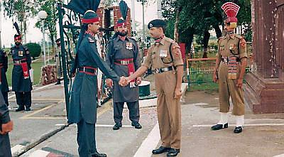 essay on wagah border in punjabi